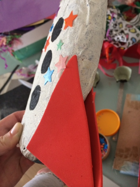 Paper mache spaceship craft ideas for kids for Paper mache ideas for kids