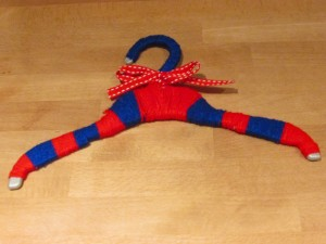 Craft Ideas for Kids - Funky Yarn Hangers